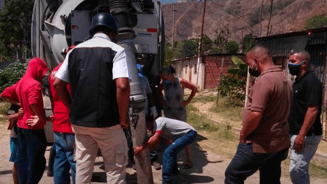 Trabajos de mantenimiento en redes de aguas servidas se ejecutan en Terrazas de El Rodeo, en Guatire