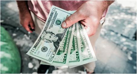 """Asdrúbal Oliveros: """" En Venezuela es mucho más fácil conseguir dólares que bolívares, a excepción de los billetes de baja denominación""""."""