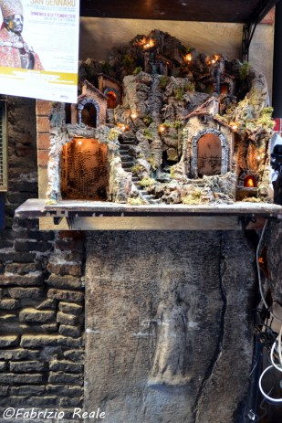 la canefora, sacerdotessa di Demetra, a San Gregorio Armeno