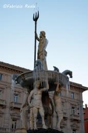 gelo-a-napoli-fontana-del-nettuno-ghiacciata-1.jpg.jpg
