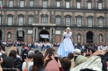 alice in wonderland teatro san carlo flash mob1