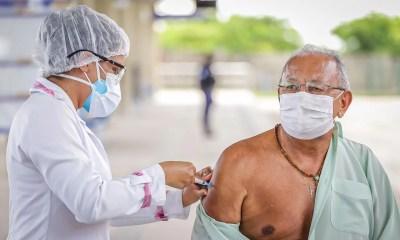 Dr. Pessoa é vacinado contra Covid-19