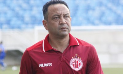 River apresenta Paulinho Kobayashi no CT Afranio Nunes
