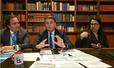 'Só Deus me tira da cadeira presidencial', diz Bolsonaro sobre possível processo de impeachment