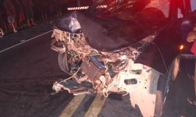 Colisão frontal entre carros mata pai de vereadora na BR-316