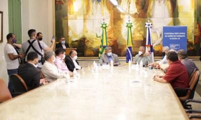 Prefeitura de Teresina recebe duas Unidades Móveis de Saúde e EPIs