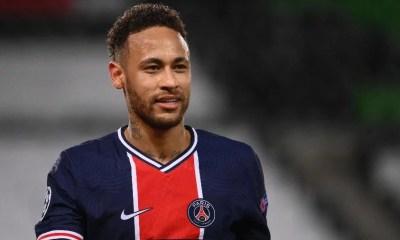 Neymar renova com o PSG que agora mira Messi e Mbappé