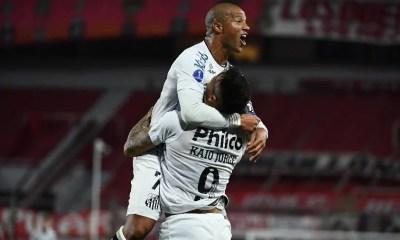 Santos empata com Independiente e avança às quartas da Sul-Americana
