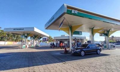 Criminosos sequestram frentista e levam cofre de posto de combustível em Teresina