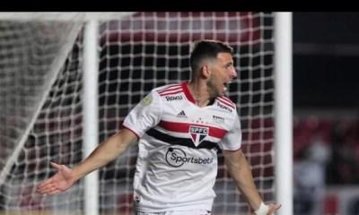 São Paulo vence o Corinthians no Morumbi com gol de Calleri
