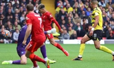 Com três gols de Firmino, Liverpool goleia Watford no Inglês