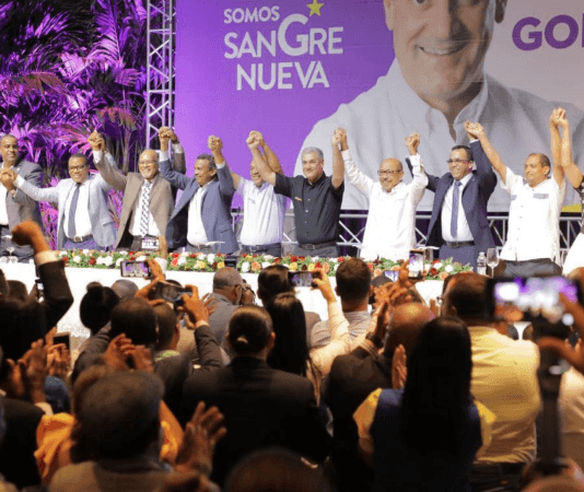 Para pelear con El León: Equipos de Temístocles, Segura y Navarro se suman a campaña Gonzalo Castillo
