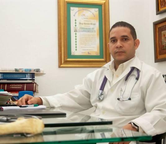 Dr. Marlon Gonzalez Gumán