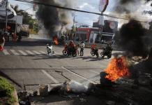 Estalla violencia al exigir renuncia de presidente hondureño (Foto fuente externa).