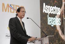 Gustavo Montalvo presenta plan para el desarrollo turístico de Pedernales a embajadores