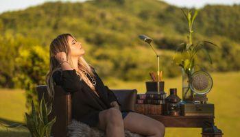"""Nathalie Hazim gana premio por canción """"Más de lo que soñé"""""""