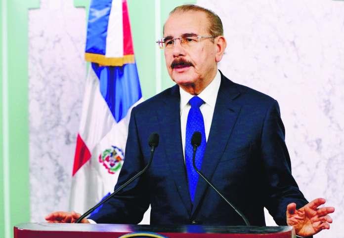 Danilo Medina crea Comisión de Transición Gubernamental