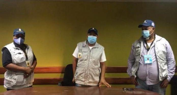 Denuncian robo de materiales de votación y RD$20 mil al presidente y secretario de un colegio electoral en Barahona