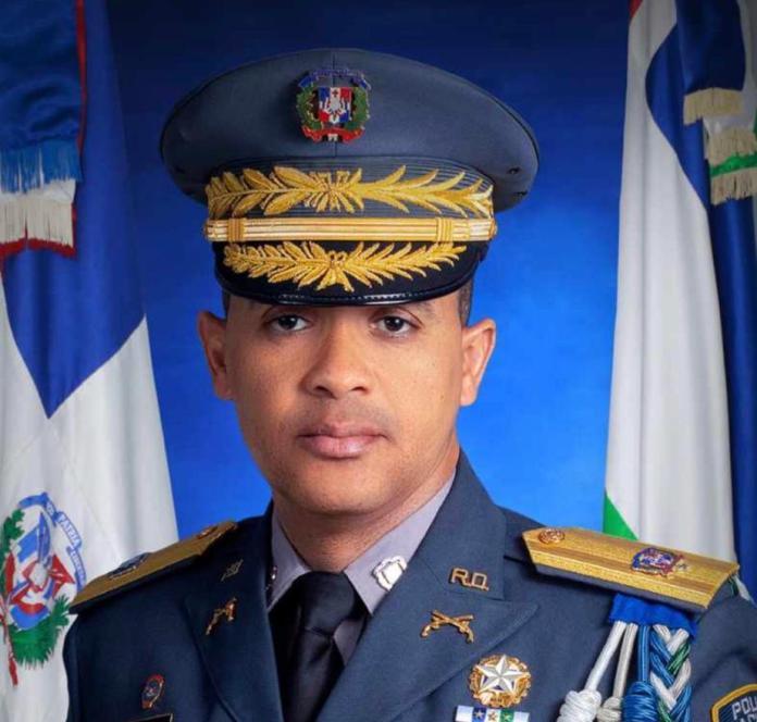 El director de la Policía Nacional da positivo a COVID-19