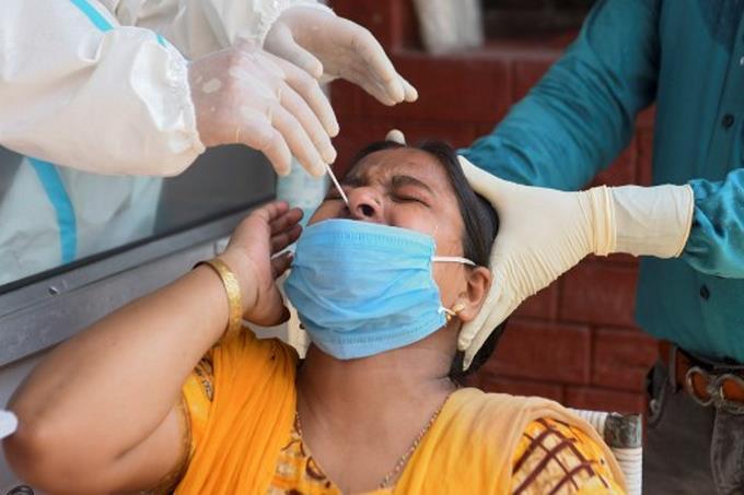 876nuevos contagios y 2 defunciones en las últimas 24 horas