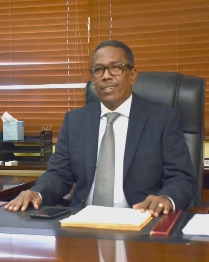 Director Comedores Económicos niega haya juramentado al Pacha en el PRM