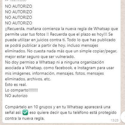 Es falso que puedas bloquear nuevos términos de WhatsApp compartiendo cadena 10 veces.fuente externa.