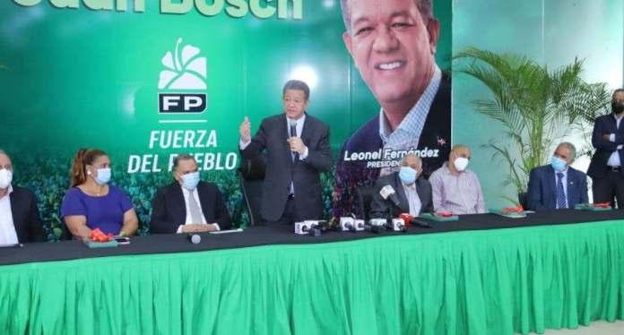 Leonel emplaza gobierno explicar plan de vacunación contra el COVID-19