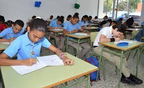 Ministerio de Educación convoca reunión para discutir retorno a las aulas