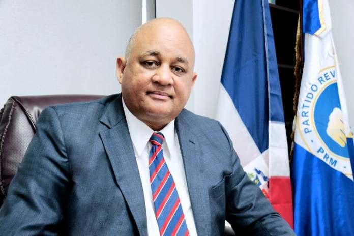 Ministro de Educación garantiza retorno a clases presencial en 48 municipios