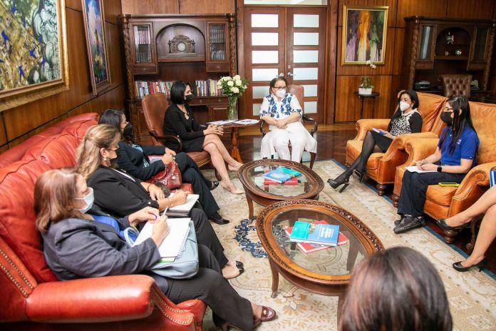 Raquel Arbaje se reúne con Miriam Germán para tratar sobre políticas de protección de niños