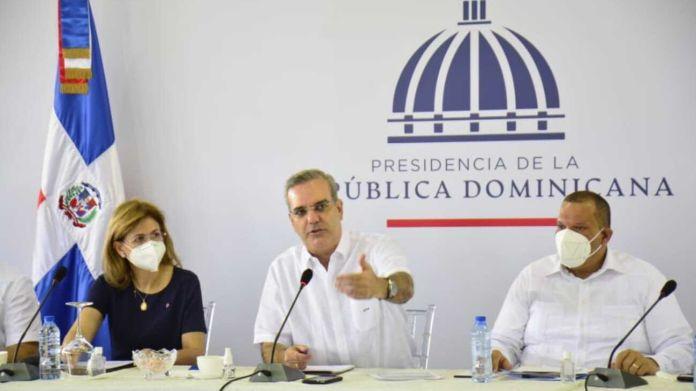 Presidente realiza encuentro con juntas de vecinos de Santo Domingo Norte