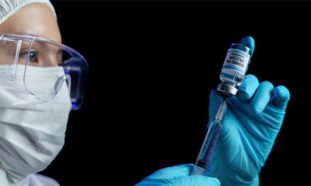Desde hoy, adultos mayores pueden registrarse para recibir la vacuna contra el Covid-19