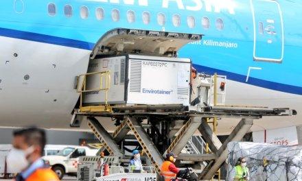 700 mil dosis de vacunas contra la covid.19 llegaron este sábado al Ecuador