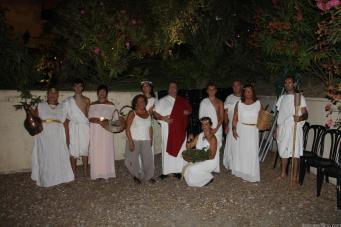 grupo-dionisio-theatre-escenifico-el-inicio-del-festival-16