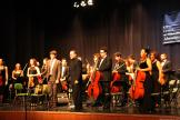 guitarrista-clerch-y-orquesta-sinfonica-ciudad-de-atarfe-reciben-los-aplausos-del-publico-sexitano-16