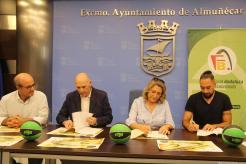 momento-firma-convenio-ayto-almunecar-federacion-baloncesto-campeonato-infantil-16
