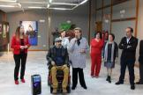 olga-ruano-junto-a-antonio-arella-no-y-artistas-participantes-16
