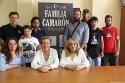 FAMILIA CAMARON JUNTO A CONCEJALA CULTURA Y ASOCIACION FLAMENCA 17