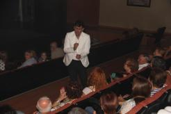 Alvaro Montes cantó entre el público en Almuñécar 17