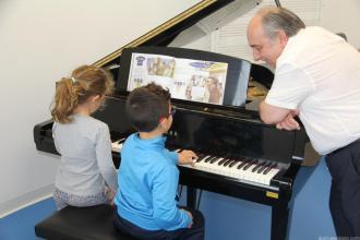 CLASE DE PIANO EN LA ESCUELA MUNICIPAL DE MUSICA DE ALMUÑECAR 17