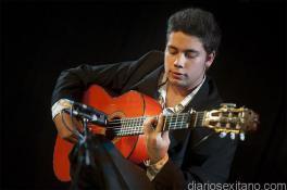 DAVID CARO GUITARRISTA QUE ABRIRA EL FESTIVAL DE ALMUÑECAR 17