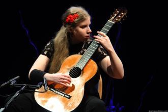 Guitarrista alemana Laura Lootens durante su intervención en Certamen Andrés Segovia La Herradura 18