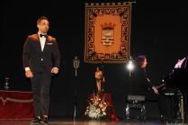La pianista Julia Martín y el tenor Rafael Lara durante el Pregón de Semana Santa Almuñécar 18