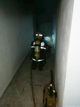 BOMBERO ALMUÑECAR AL ACCEDER AL GARAGE 18 V