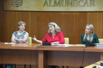 ALCALDESA JUNTO SECRETARIA E INTERVENTORA DURANTE EL PLENO 18