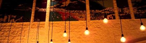 Drinques e tartare no Meza Bar