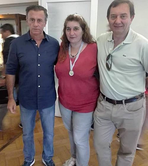 Fernando Pujol y Gustavo Coll acompañan a Nivia Gazzaneo, toda una revelación en la regata.