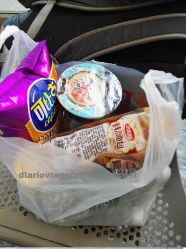 scorte di cibo treno