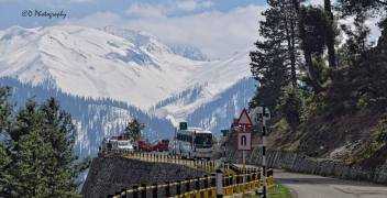 gulmarg-road-travel