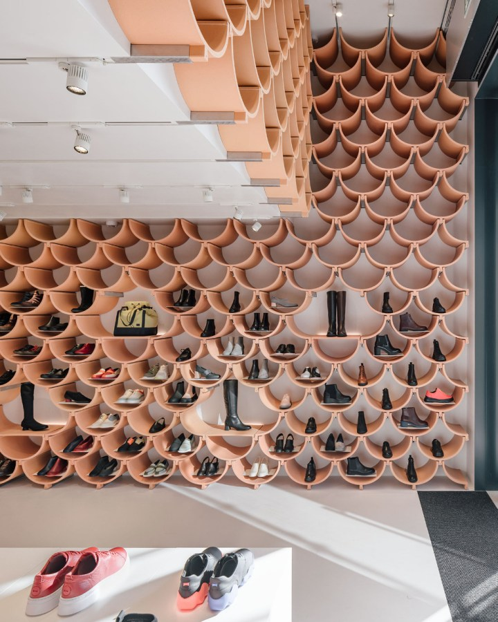 Camper store Barcelona Kengo Kuma terracotta curved tiles interior design